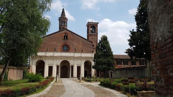 facciata monastero chiaravalle